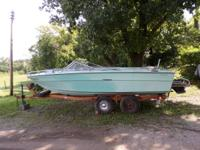 1970 19 foot Sea Ray watercraft. In board 6 cylinder
