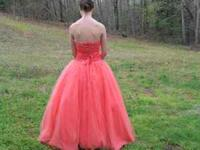 Coral Dress. Size 8. Iam a size 2/4 and this dres fit.