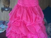 a size 10 Kiss Kiss Senior prom Dress. I wore it to my