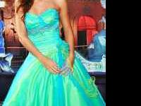 Prom dress for sale, paid $400 for asking $200 like