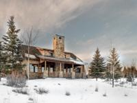 This charming Trapper Cabin is so close to Promontorys