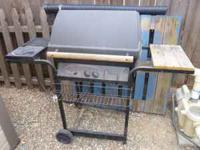 CHARBROIL 2 BURNER PROPANE GRILL WITH A BURNER ON THE
