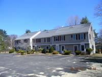 ROCKLAND-Robinwood complex offers 2 bedroom 1.5 bath
