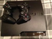 160 GB Ps3 Slim, comes with 2 controllers, original