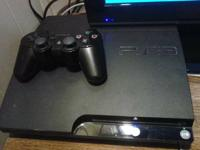 Sellin Ps3 bundle tht includes the following:  Ps3 160