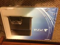 Selling my new ps4 500gb prefect condition comes with