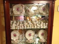 Pulaski Furniture Curio/China Cabinet Cardigan Two Way