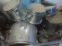 Im selling my drumset because I no longer use/play it.