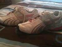 I am selling some puma shoes. I have hardly wore them!