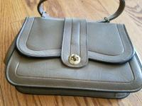 MANY PURSES SOME LEATHER DIFFERENT SIZES, COLOR AND