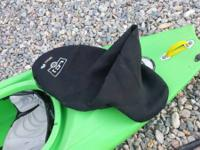 2010 pyranha play kayak with 2 werner paddles and one