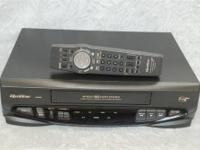 QUASAR VCR VIDEO CASSETTE RECORDER WITH REMOTE Model: