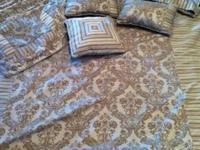 Queen Comforter with 4 shams, 3 decorator pillows and