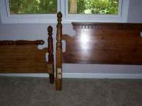 Queen size bed (Headboard, footboard and rails),