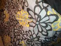 Queen size comforter ... black grey and yellow with