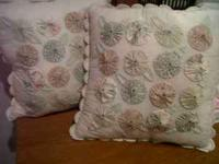 Set includes: Queen size comforter 2 matching pillow
