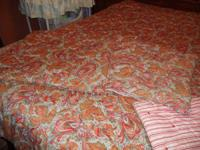 NEW QUEEN SIZE COMFORTOR WITH 2 MATCHING SHAMS. IN