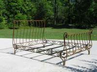 Antique bronze color,excellent condition. A beautiful