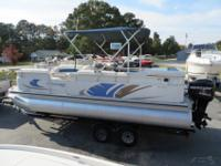 2008 LOWE SUNCRUISER 200ss PONTOON BOAT. THE INTERIOR