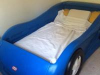 Type:Kids RoomsType:Little Tikes twin race car bedBlue