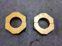 USED WEIGHT MOUNT CLAMPS (2) 1'3/4 CLAMPS  (3) 1'1/4