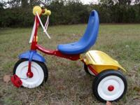 Radio Flyer Tricycle like new and ready to ride. If