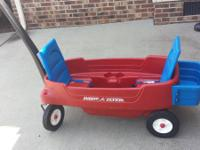 Radio Flyer Wagon  Folding seats, seat belts, and cup