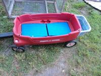 great wagon has 2 child seats with lift up seat backs,