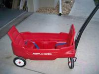 Radio Flyer wagon in excellent condition. The Radio