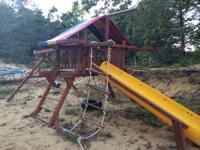 RAINBOW SWINGSET IN GOOD CONDITION APPROX. 6-8 YEARS