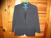 Women's Ralph Lauren black 100 % wool blazer in a