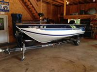 1998 Ranger Model 238 Fishing Boat - Rod Well, live