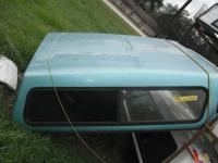 TRUCK TOPPER ENVIRONMENT-FRIENDLY CLEAR IS PELLING OFF,