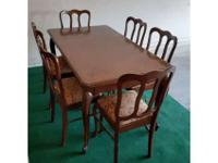 ARTISTICALLY CRAFTED RARE ANTIQUE DINING TABLE, WITH