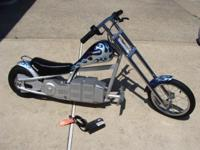 Up for sale is a Electric Razor Scooter. It's been