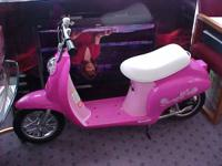 Razor girls SWEET PEA electrical scooter in impressive