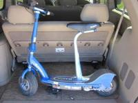 VERY NICE RAZOR E300 ELECTRIC SCOOTER, $90.00 BLUE