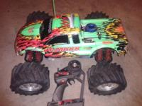 traxxas tmaxx os 18 WITH 2 speed with reverse rtr clean