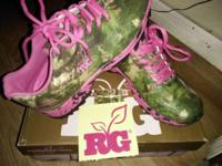 * REALTREE GIRL * { PINK & CAMO } WOMEN'S SHOES SIZE-