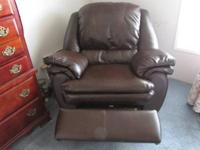 Big Mans Chair.....Like New! Will go fast! Hurry...