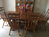 Type:Dining Room Beautiful solid Oak Table with 6
