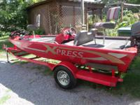 This is a real nice 1998 xpress alm weld boat,,there is