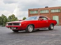 ----- This 1970 Plymouth Cuda has a 440 C.I. 6-Pack V8