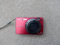 Original owner selling a red Sony Cyber-shot DSC-W150