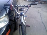I AM SELLING A REDLINE WITH A 3 PIECE RACE CRANK AND