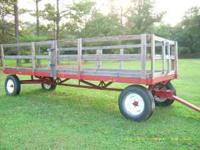 this is a nice farm wagon with sides that can b