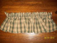 I have 6 very nice heavy country style valances that