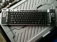 Microsoft Wirelss Media Center Edition Keyboard