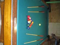 GOLD CROWN BRUSWICK REGUALTION SIZE POOL TABLE. HAS NEW