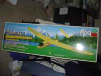 Remote control plane w/ 4 'new' spare wing/tail sets (